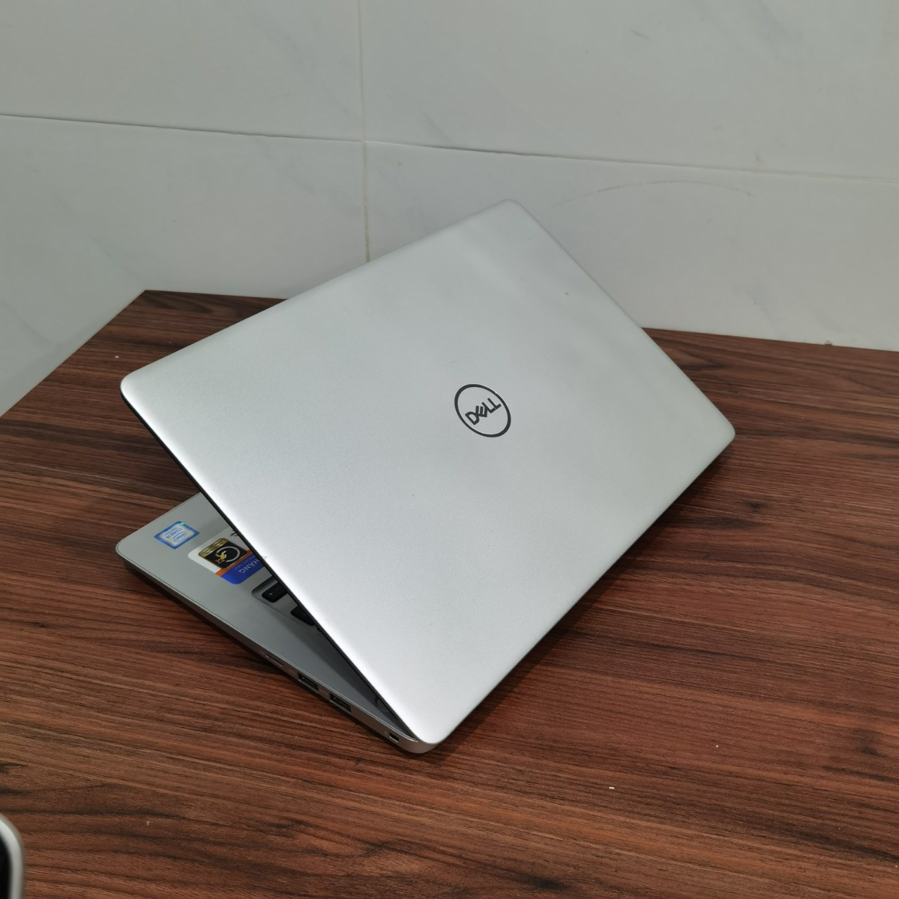 Dell Inspiron N5370